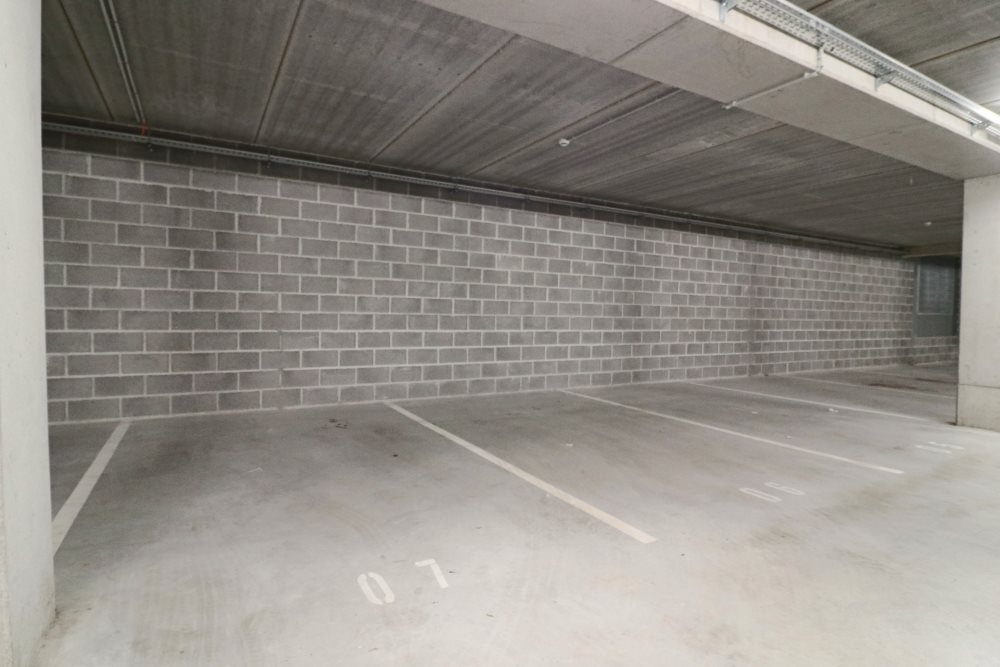 EMPLACEMENTS DE PARKING - HYPER CENTRE